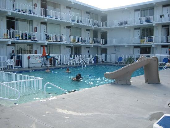 The Crusader Oceanfront Family Resort: pool