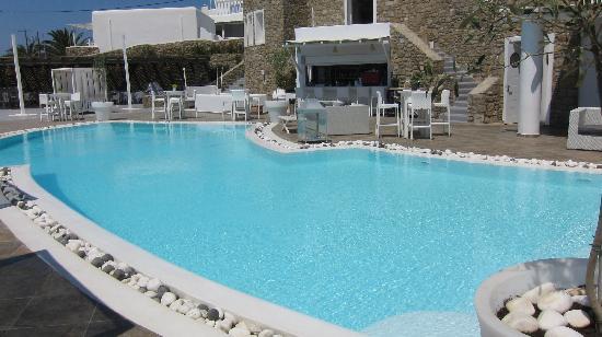 โรงแรม & สปา ร็อคคาเบลล่า ไมโคโนส อาร์ท: vista dalla piscina