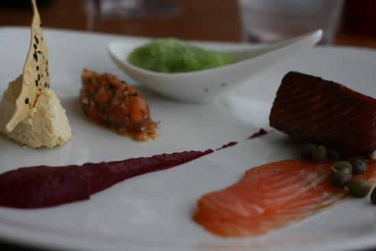 Porthminster Beach Cafe: Beautiful starter platter of salmon