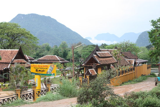Maylyn 39 s stunning scenery picture of maylyn guest house for Domon guesthouse vang vieng
