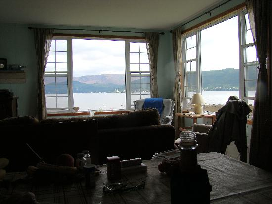 Periwinkles Cottage: the view from the kitchen table