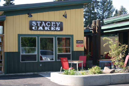 Stacey Cakes: store front