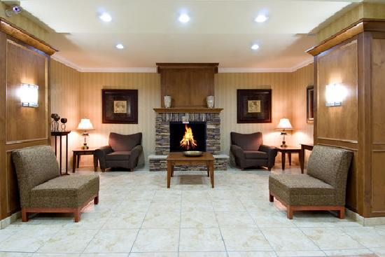 Holiday Inn Express Hotel & Suites Klamath Falls: Lobby