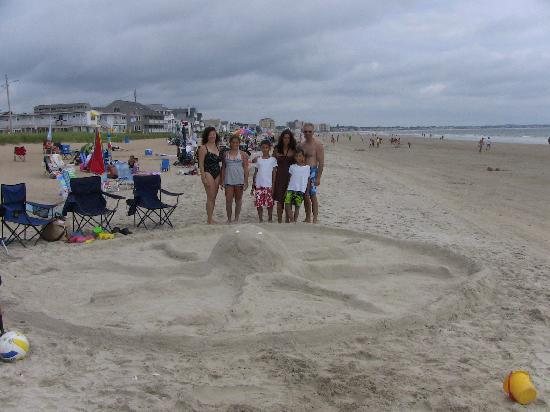 Echo Motel & Oceanfront Cottages: Fun in the sand