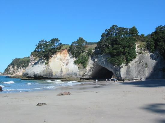 Harbour View Lodge: 25 Mins drive north is Cathedral Cove