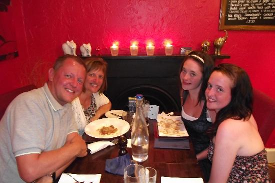 Hele Billy's Bar & Restaurant: Enjoyable night at Hele Billys, Ilfracombe Aug 2011