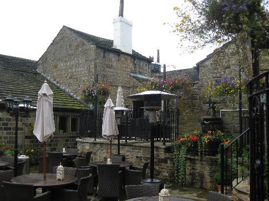 The Black Horse Inn: Court yard
