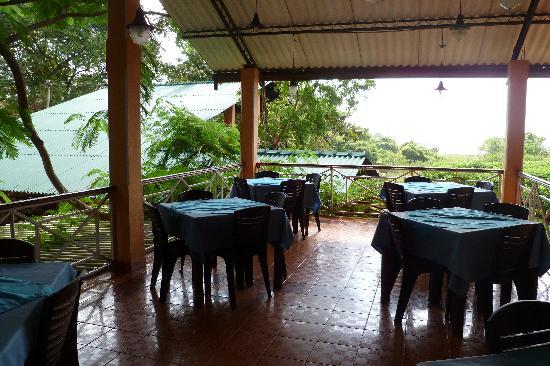 Grand Tourist Holiday Resort: Dining