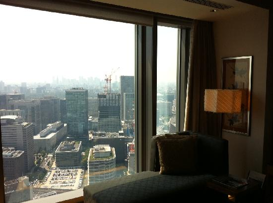 Mandarin Oriental, Tokyo: View from the Chaise