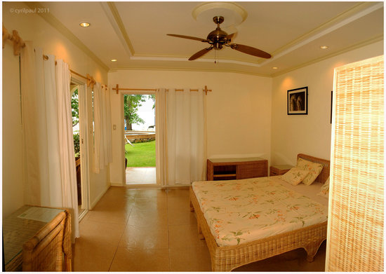 Mike's Dauin Beach Resort: Deluxe Room
