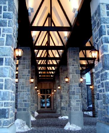 The Inn at Virginia Tech and Skelton Conference Center: Entrance