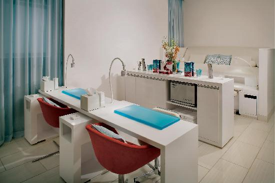 W Scottsdale: Bliss Spa Manicure Stations
