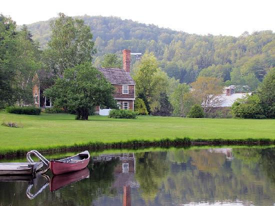 Inn at Sawmill Farm: More of the beautiful grounds