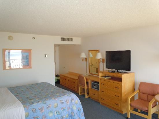 Kon Tiki Inn: Room view #2