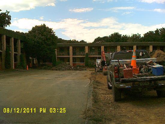 Penn Wells Hotel: Work zone