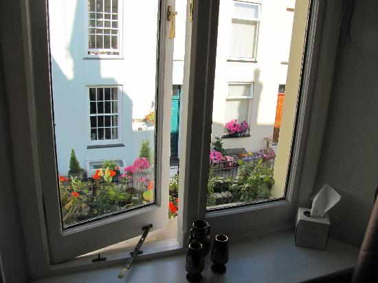 Cartref Guest House: the view out of the ensuite window