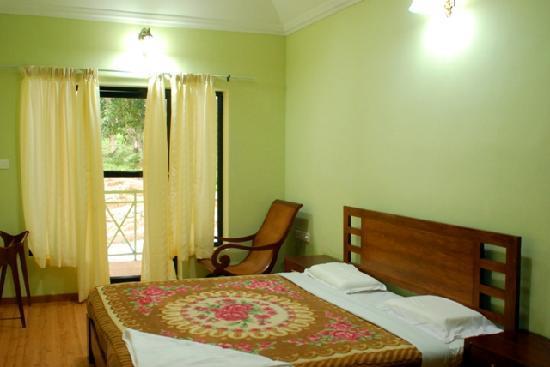 Pulimoottil Estate: Bed Room 2