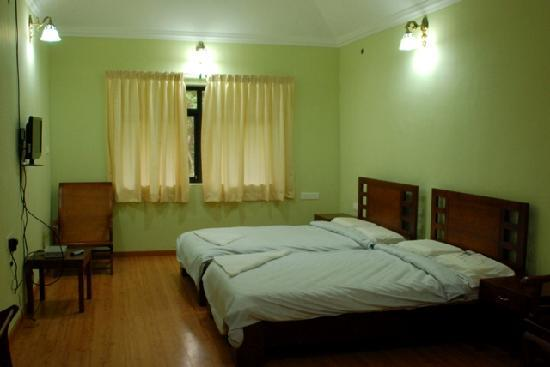 Pulimoottil Estate: Twin Bed Room