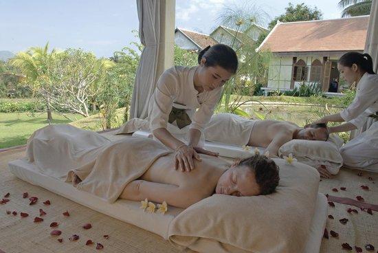 The Mekong Spa: Outside treatment