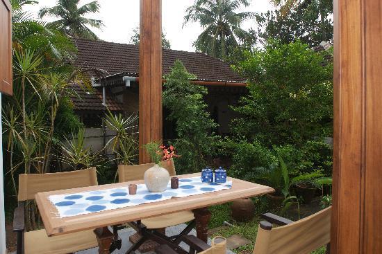 Motty's Homestay: verandah