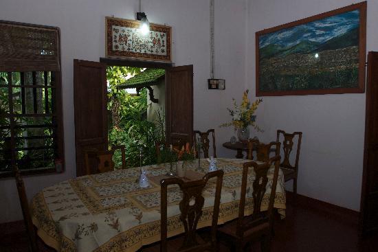Motty's Homestay: Dining room