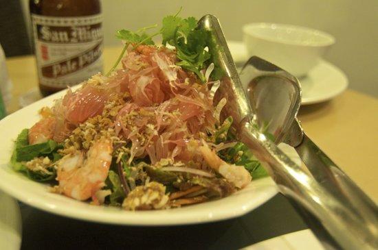 Tio Rod's Restaurant Bar & Lounge: shrimp & pumelo salad