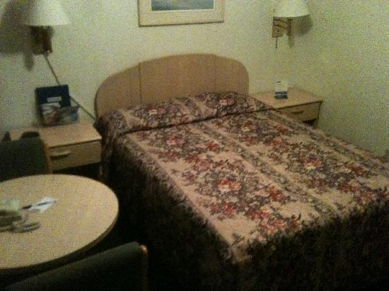 Rockview Inn and Suites - Morro Bay: Room for four!?!?