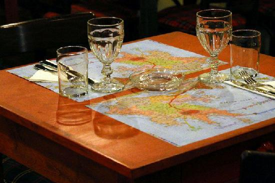 Chromata Restaurant : Τραπεζι για δυο