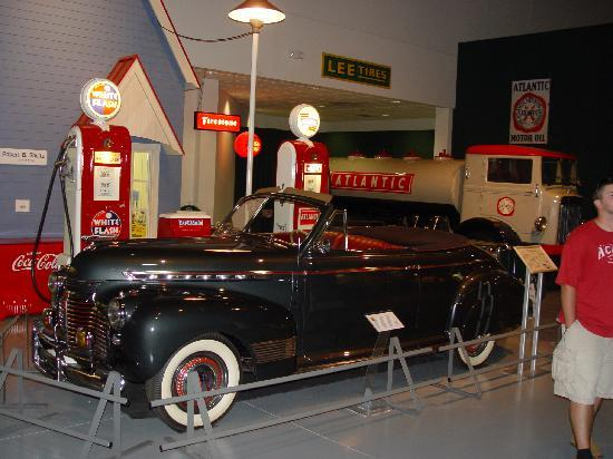 Antique Automobile Club of America Museum : Service Station