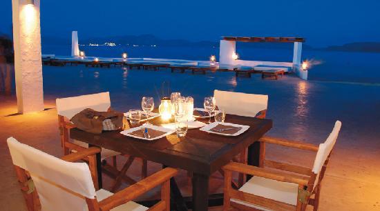 Barcelo hydra beach resort grecia thermisia prezzi 2017 for Piscina hydra villabate prezzi