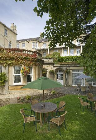 The Lansdown Grove Hotel: Coast and Country Lansdown Grove Hotel Outside seating area