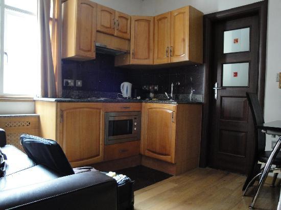 Hyde Park Suites Serviced Apartments: Le coin cuisine