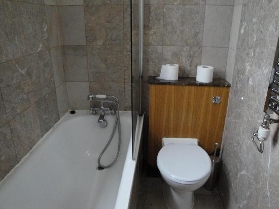 Hyde Park Suites Serviced Apartments: Douche / WC