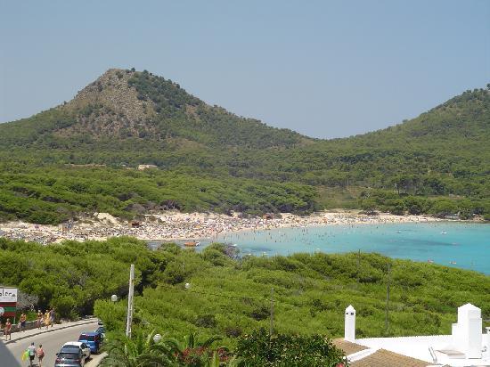 Hotel & Spa S'Entrador Playa: La spiaggia