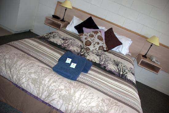 The Prince Mark Motor Inn: Deluxe Room