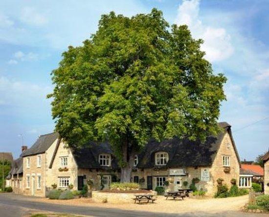 Elton, UK: The Crown Inn, Elton