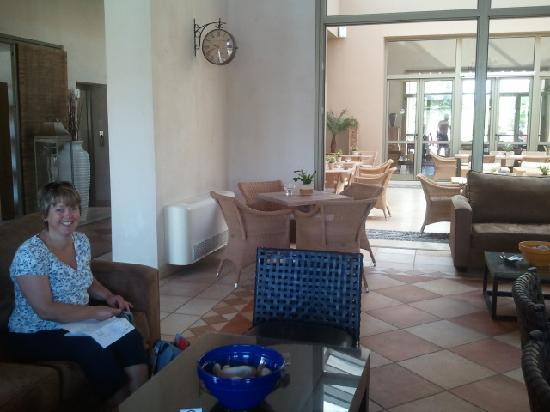 Village Heights Golf Resort: Lounge