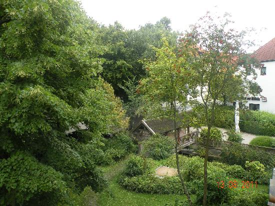 Hotel-Gasthof zur Mühle: Dalla finestra della camera