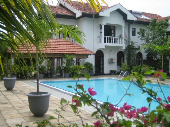 villa suriyagaha & pool