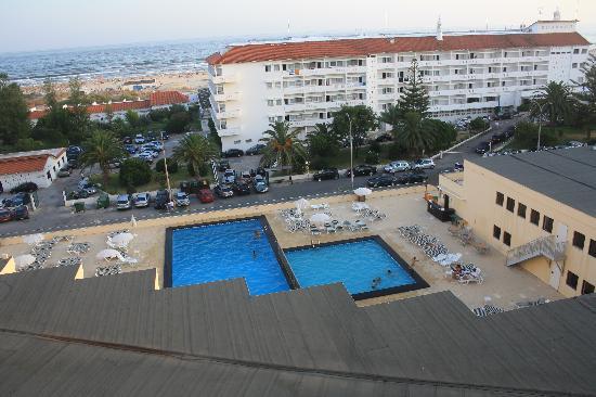 Yellow Praia Monte Gordo : Pools