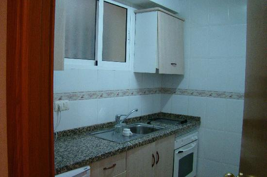 Playamar Apartments Click Benidorm : The Kitchen
