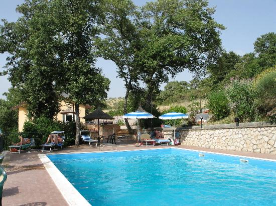 La Rocca Residence di Ragni Mauro: la piscina