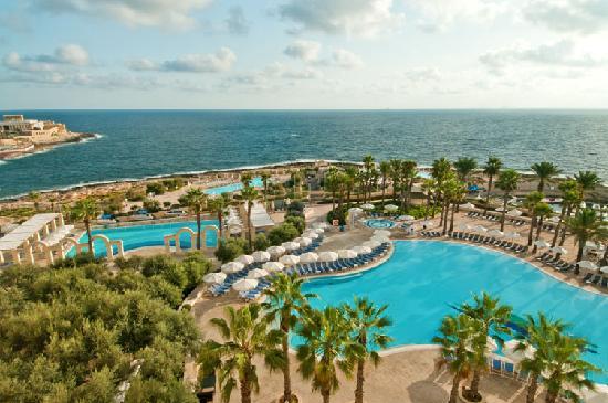 Hilton Malta : 4 Outdoor Pools
