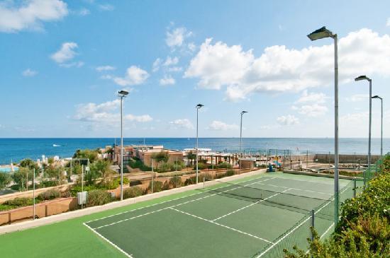 Hilton Malta: Tennis Court