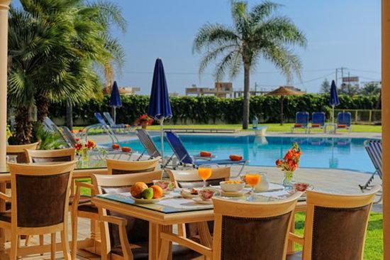 Socrates Hotel: Snack Bar & Restaurant