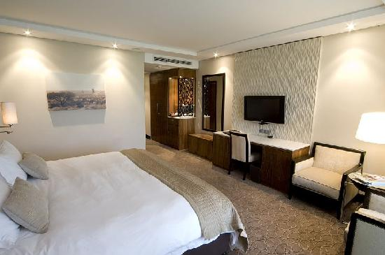 The Royal Marang Hotel : Luxury Bedroom