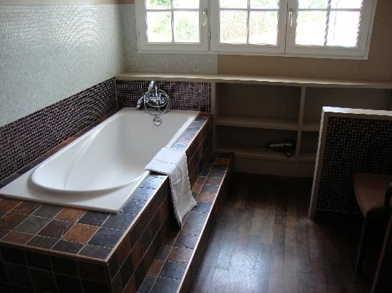 Maison Arbolateia Chambres d'hotes : salle de bain - erretegia
