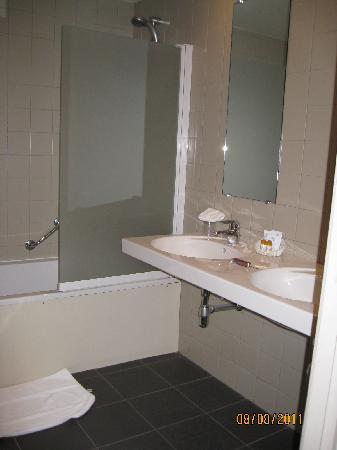Hotel de Zalm : Our bathroom