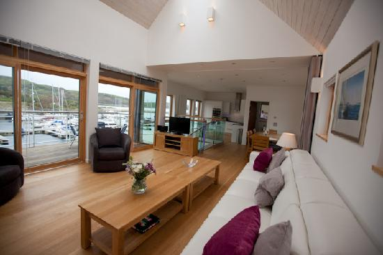 Portavadie, UK: Luxury Apartment Town House overlooking the marina.