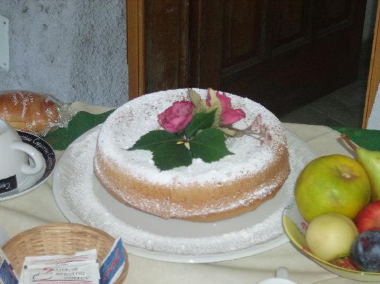 Bed and breakfast Villa Marietta: ciambella fatta da Carmela